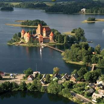 Столицы, дворцы и замки Прибалтики